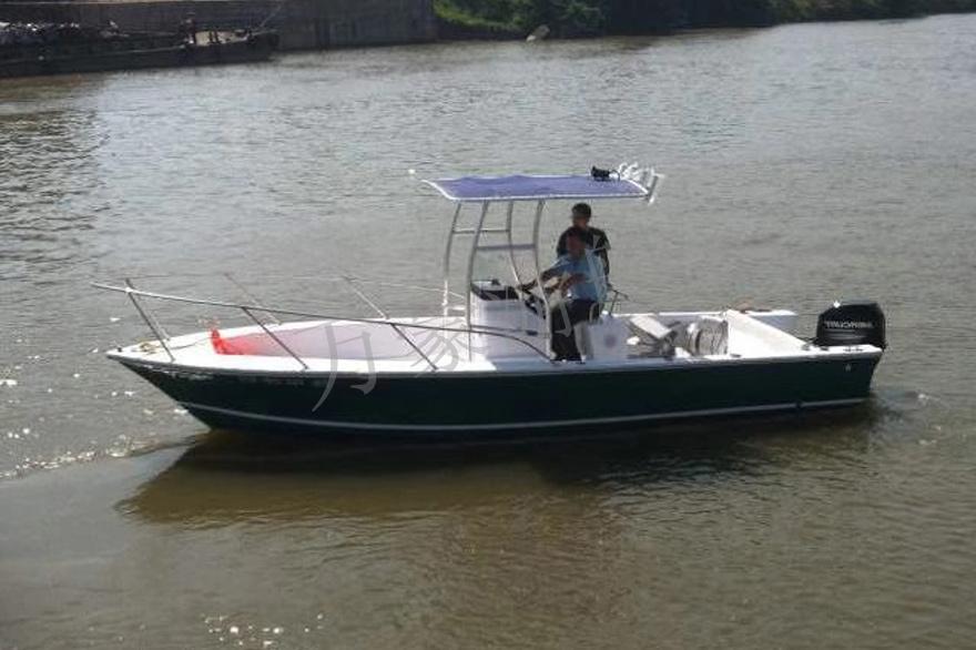 WH700钓鱼艇